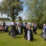 Folkloristische dansgroep De Iesselschotsers